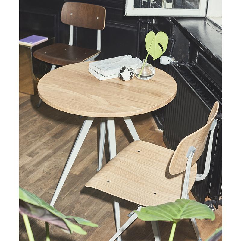 HAY Pyramid café table 21 - beige stalen frame