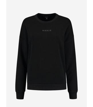 NIKKIE Sweater chest Logo