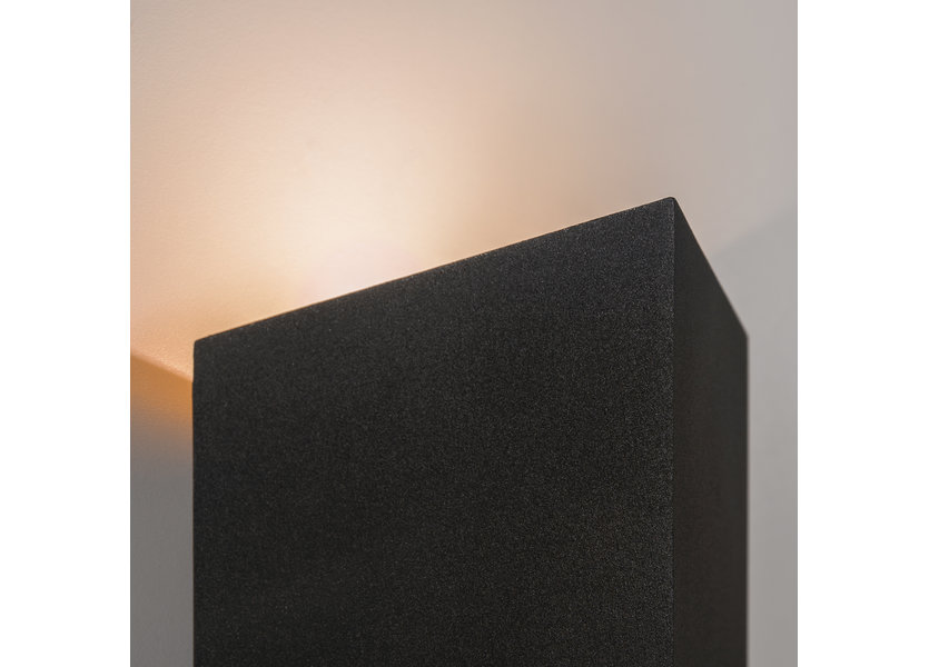 Moderne Buitenwandlamp up down Zwart IP65 incl. LED - Garleds Bellis