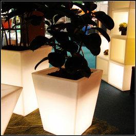 Funnylights Oplaadbare Bloempot  55 cm LED RGB inclusief Afstandsbediening - Funnylights Taurus Tuinlamp
