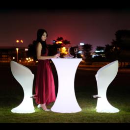 Funnylights Oplaadbare Statafel LED RGB inclusief Afstandsbediening - Funnylights Horsea