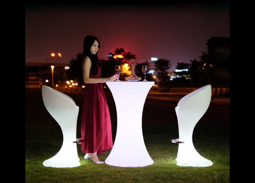 LED Statafel RGB Oplaadbaar + Afstandsbediening - Funnylights Horsea