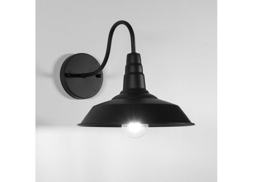 Landelijke zwarte wandlamp