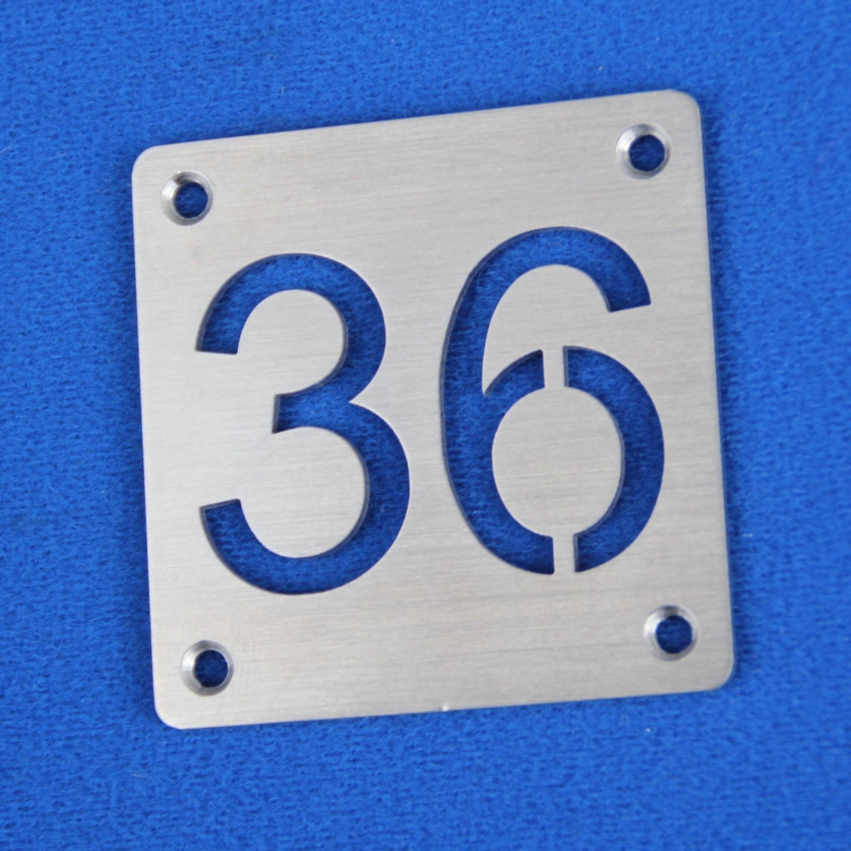 CombiCraft RVS Nummerplaatjes met uitgespaarde getallen, prijs per stuk excl. BTW vanaf: