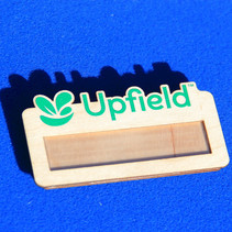 Houten naambadges Upfield