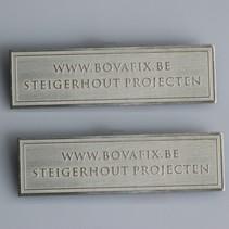 Logo's in Aluminium met 2 dimensionaal reliëf