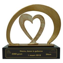 Gegoten en gegraveerde metalen trofee met hart 210x80x205mm