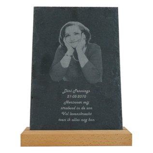 Leisteen met houten standaard, 20x30x0,5cm