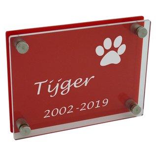 Plexiglas transparant/rood met gravure  200x150mm of 150x200mm