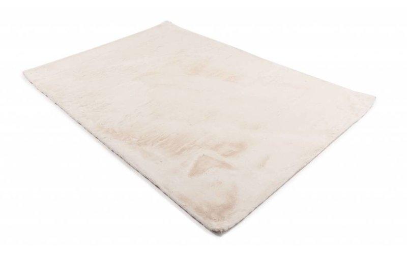 Fay White - zacht hoogpolig vloerkleed in wit