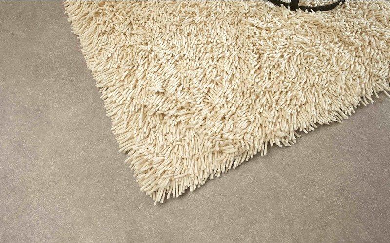 Brussel 11 - Hoogpolig wollen vloerkleed in gebroken Witte kleurstelling
