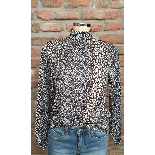 Ambika Ambika blouse met print blauw/zwart/wit