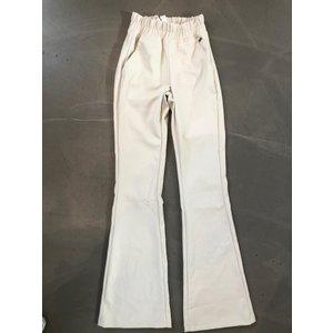 Ambika Ambika Leather look flared pants crème