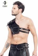 * Code8 by XXX COLLECTION Zwart leren heren Gladiator Harnas met zilverkleurige bies