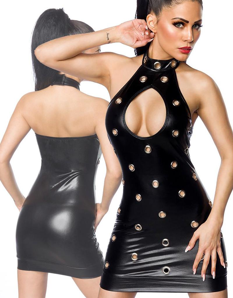 Sexy zwart clubwear jurkje met ringen van Saresia.