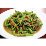 Gewokte waterspinazie met sojabonen saus: (phad phak bung)