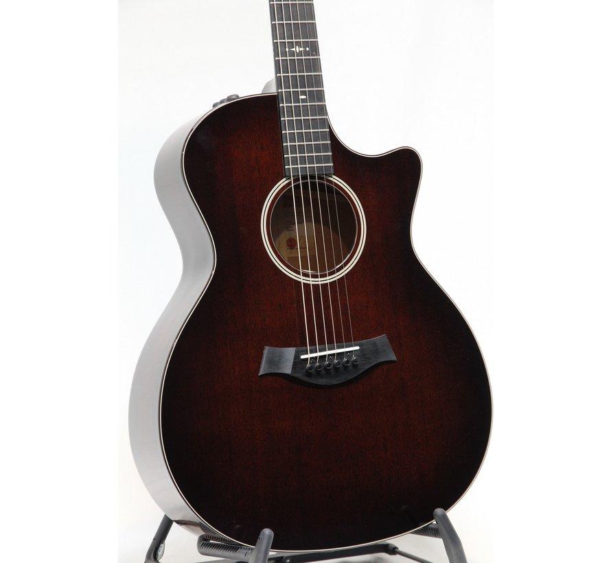 Taylor 524CE V-Class Bracing semi akoestische gitaar