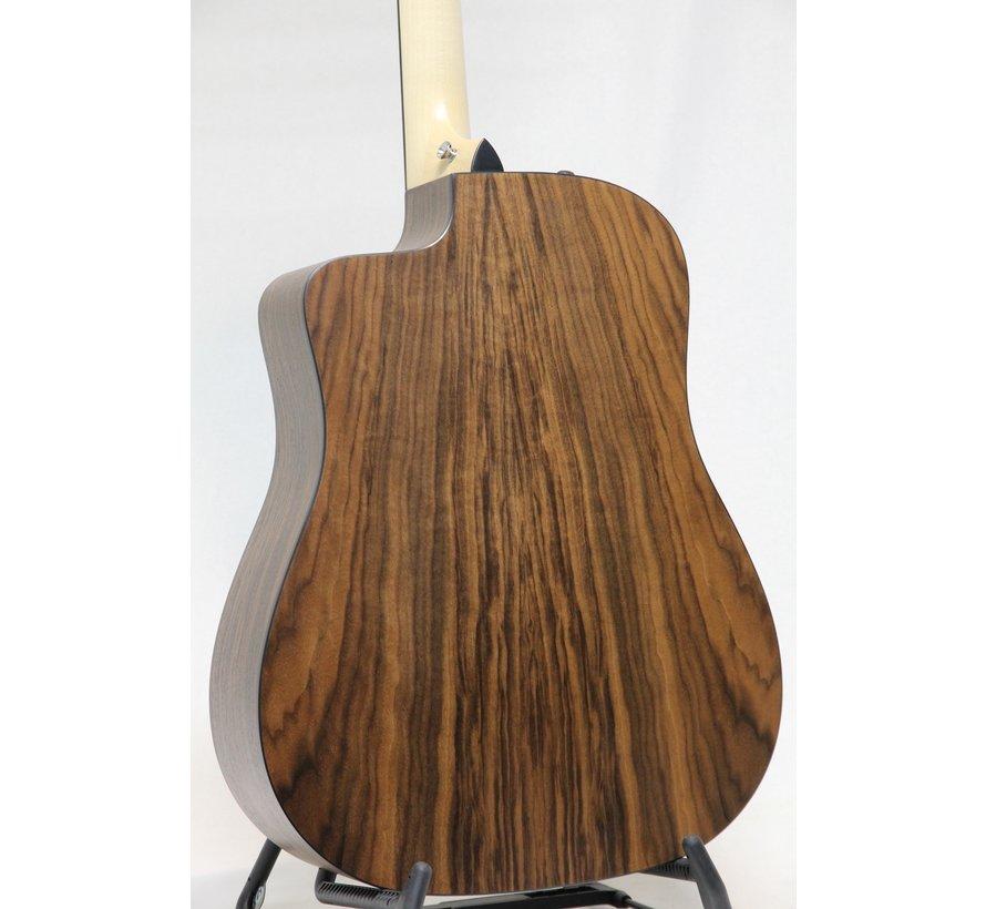 Taylor 110ce semi akoestische gitaar
