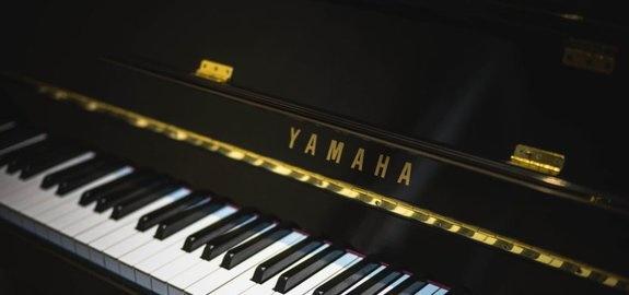 yamaha piano klavier