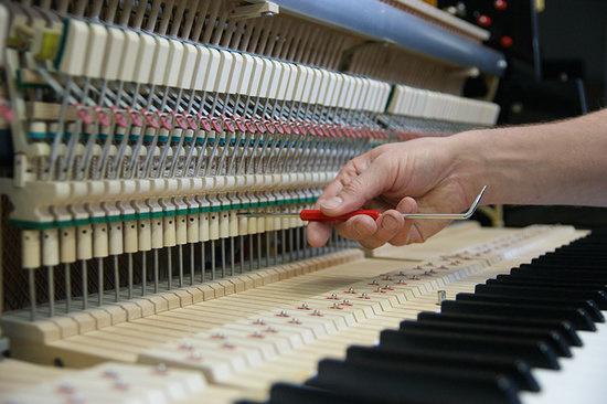 akoestische piano onderhoud