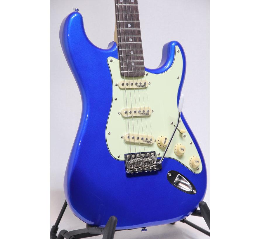 Vintage V6CAB Candy Apple Blue Stratocaster elektrische gitaar