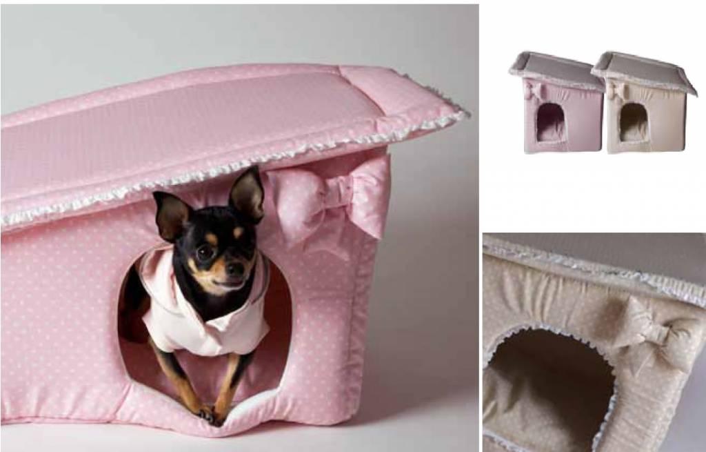 Baby dog boutique huisje wit / beige met stippen
