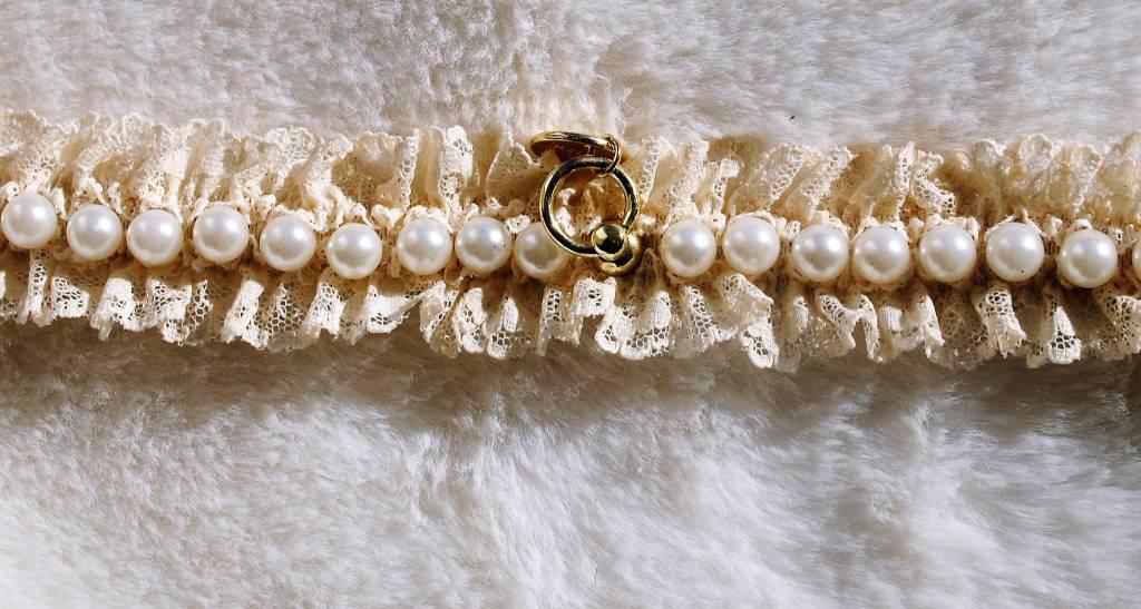 Charlotte's dress Cécile  beige perlato (+goud)
