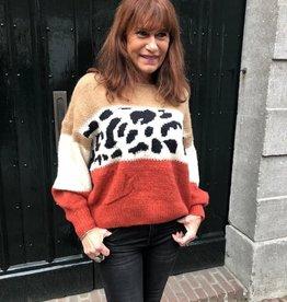 3066 Millenium Sweater Leopard Footprint Cognac