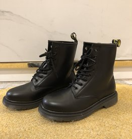 179 Day Vine Boots Yellow Label Black