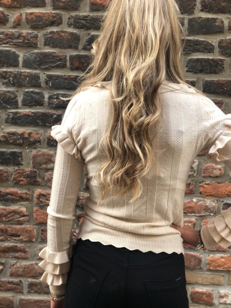 1035 Design Sweater Turtle Neck Ruffle Beige