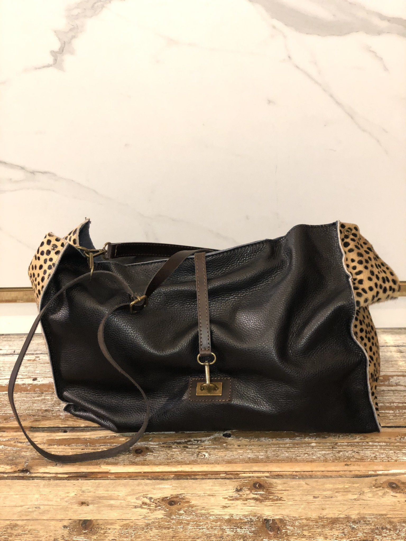 2032 Bag Leather Dot Black