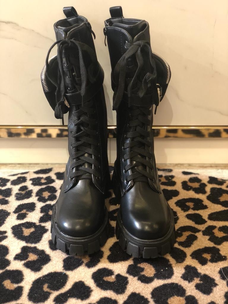 1995 Boots Lace Up High Pocket Black