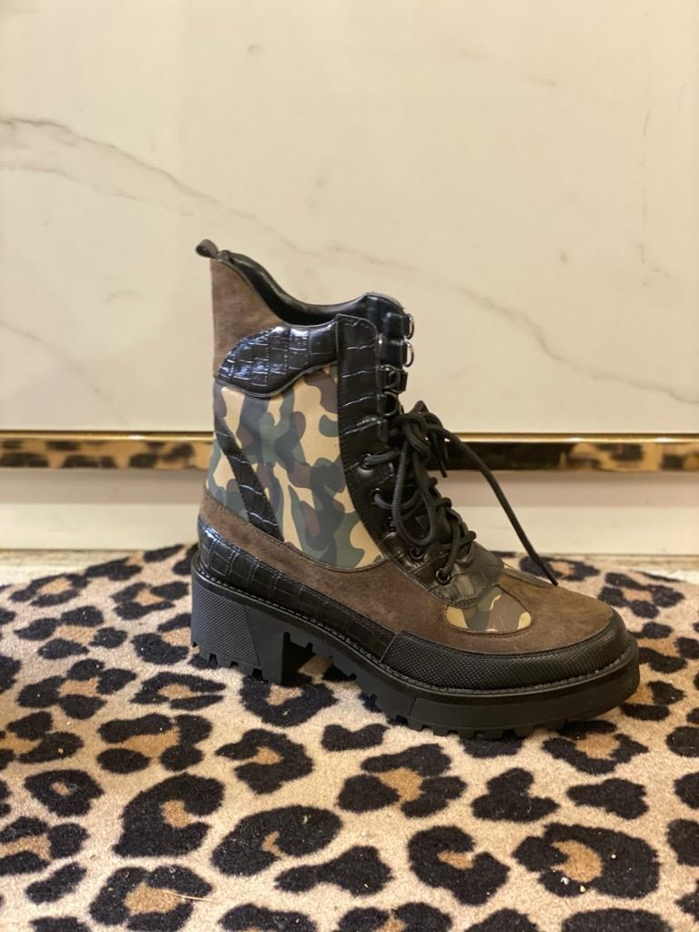 7646 Boots Army Green
