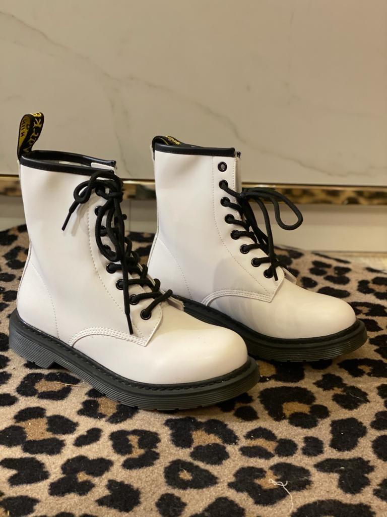 179 Day Vine Boots White
