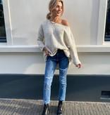 021 Laulia Straight Jeans