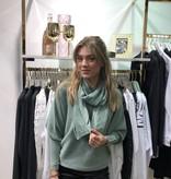 2079 Pinka Sweater Scarf Green