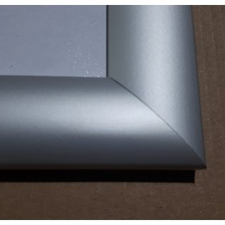 Kliklijst 50x70 cm. B2 met klikprofiel 25 mm
