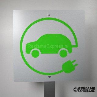 Opladen elektrische auto bord op paal