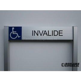 Parkeerbord Invalide op 2 palen compleet tekst en pictogram