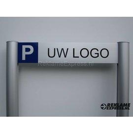 Parkeerbord met uw logo op paneel 10x50 cm en 2 staanders