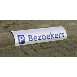 Parkeerbord met logo voor over betonrand