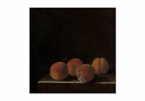Vier abrikozen op een stenen plint • vierkante afdruk op textiel