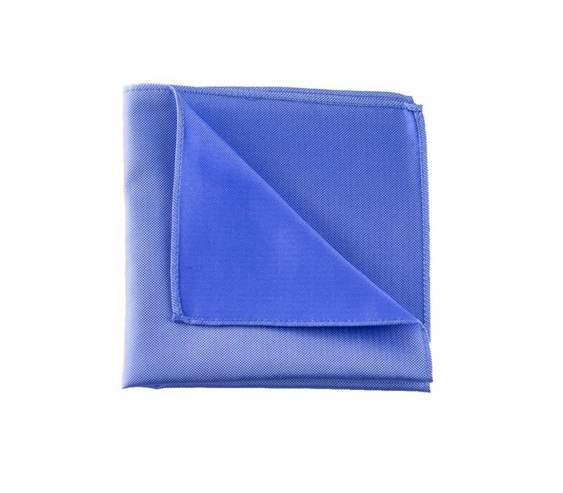 Licht blauw pochet zijde