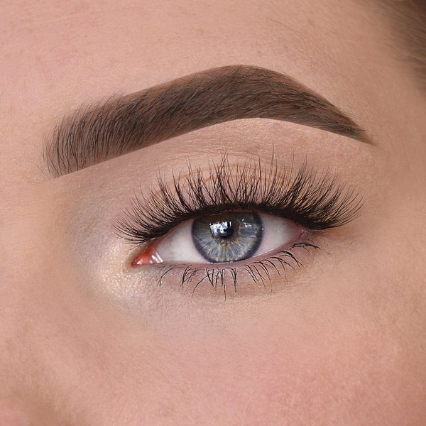 Nila lashes