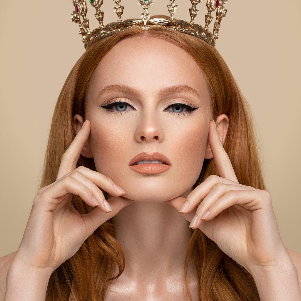 Queen Tarzi The Royal Liner