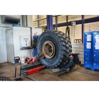 Montage bei BAS Tyres Veghel (Maschine)