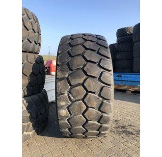 Uses Michelin XLD 650 / 65R25
