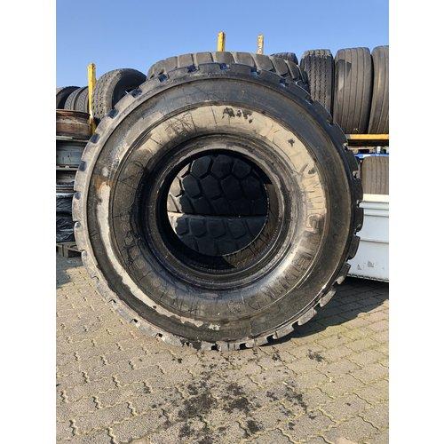 Michelin Uses Michelin XLD 650 / 65R25