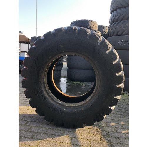 Pirelli Pirelli RM99 17.5R25 usado