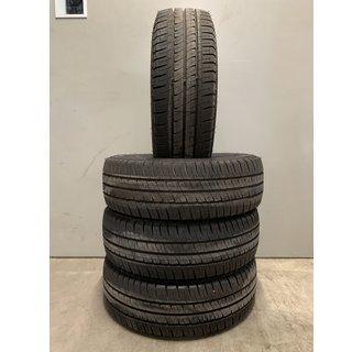 Michelin 215/60R17 AGILIS +